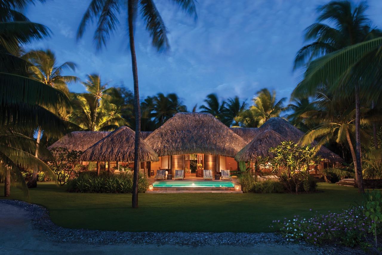 Two Bedroom Deluxe Beachfront Villa Estate w/Pool