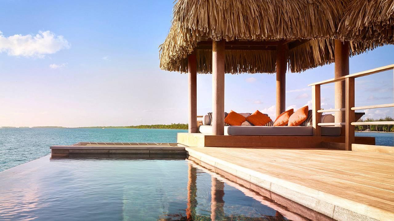 One Bedroom Overwater Suite w/Pool