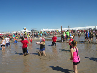 Senspex Plays Mudd Volleyball for Charity