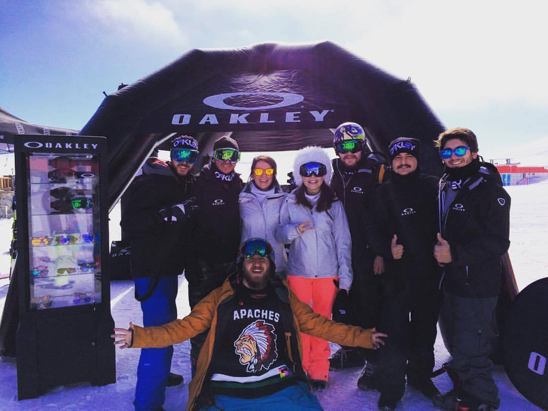 Jump And Freeze Oakley Team