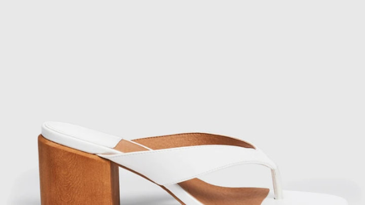 Cherrichella Cedar White Thong Wood Block Heel