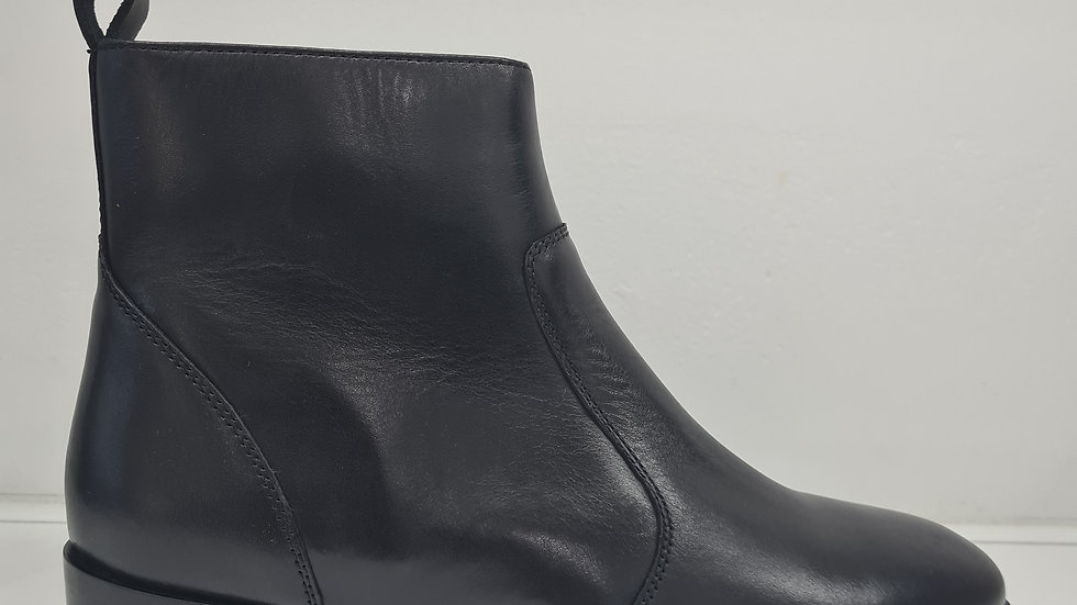 Siren Shoes  Salmon Black Nappa Leather Ankle Boots