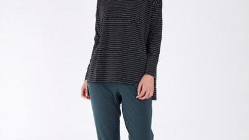 Betty Basics Carly Black Metallic Stripe Long Sleeve Top