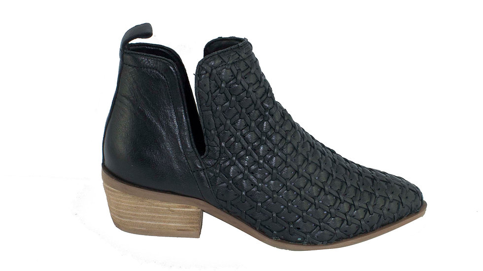 Human Premium Shoes Jax Black Leather Weave Boots Wood Heel