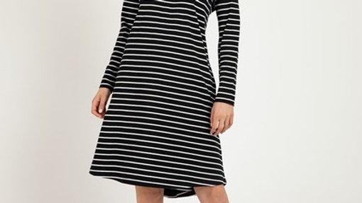 Betty Basics Ellie long Sleeve T Shirt Dress