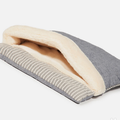 Maritime Sleeping Bag for Cats by Danish Design
