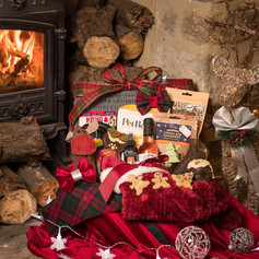 Perfect Pet Luxury Christmas Hamper for Dogs