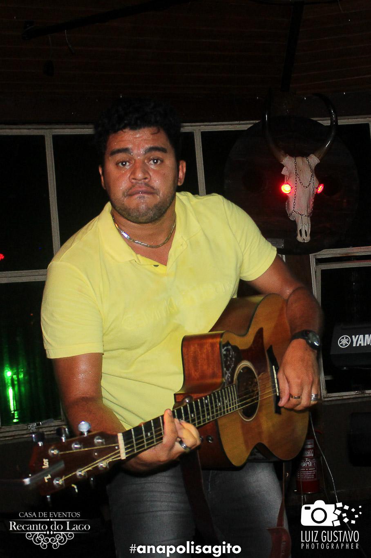 Luiz Gustavo-77