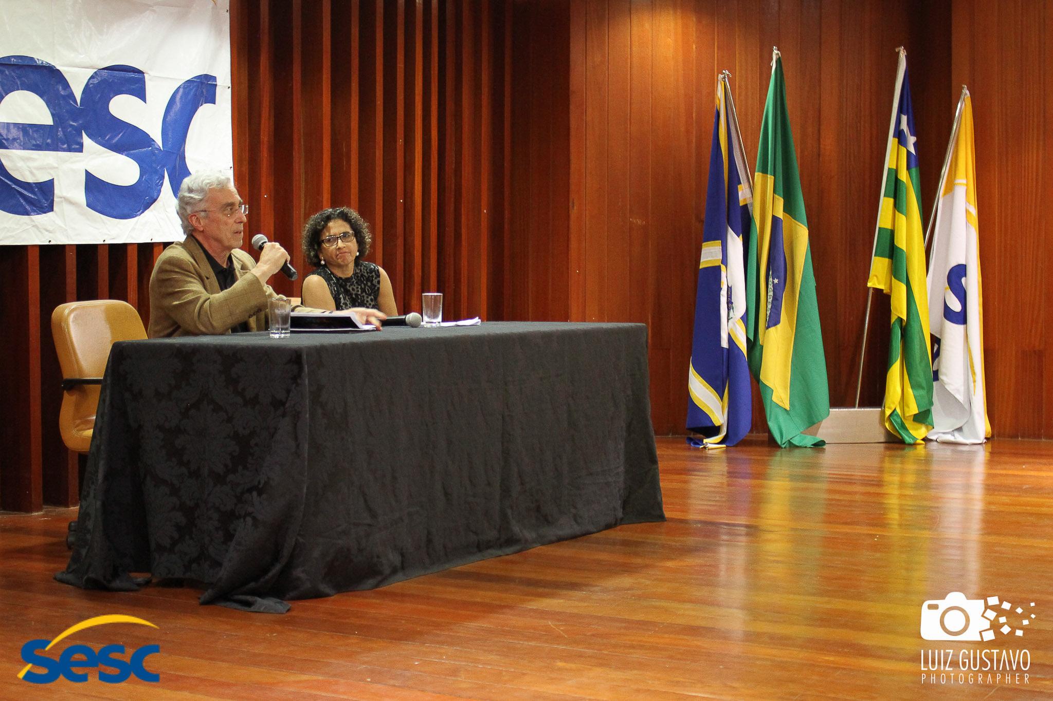 Luiz Gustavo-44