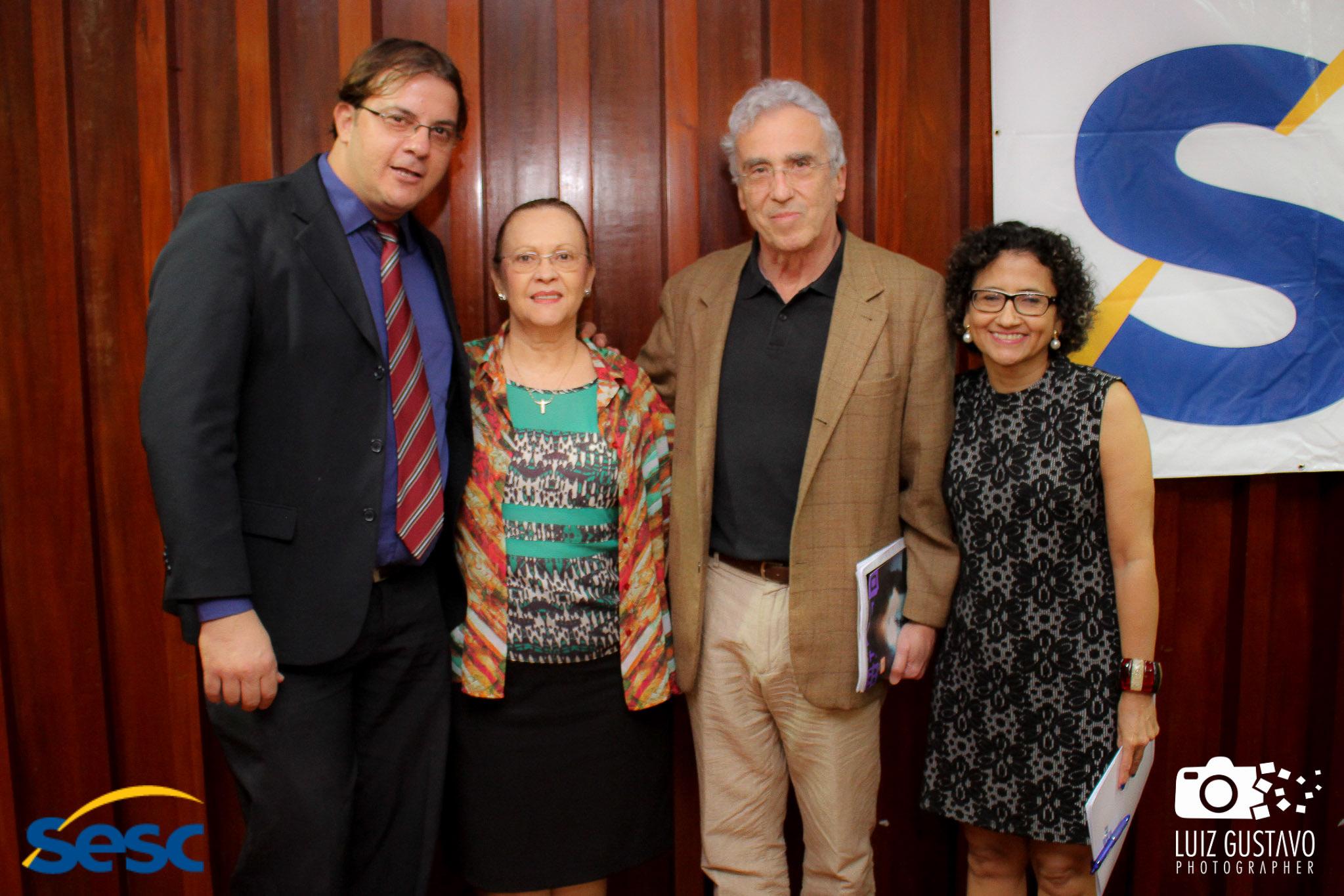 Luiz Gustavo-56