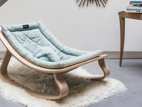 Design et confort pour le transat LEVO de Charlie Crane