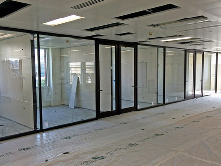 5 reasons to install glass partitioning in your workspace