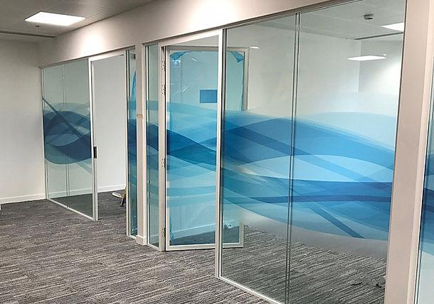 Glass partition manifestion