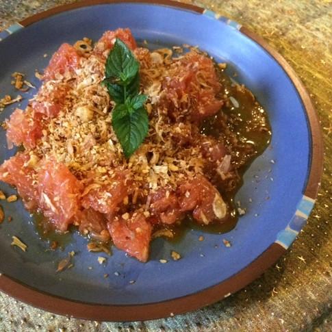 Pomelo salad (V)