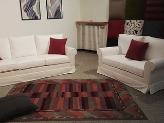 Soggiorni artigianali Lissone Monza e Brianza - Colori e tessuti dei divani - Porro salotti