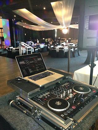 DJ MC Wedding specialist DJ wedding party DJ