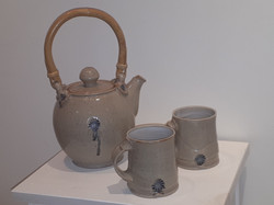 #694 stoneware tea pot