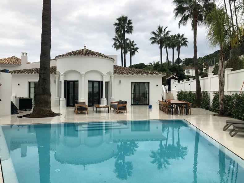 Urb. Nueva Andalucía, Villa Shira
