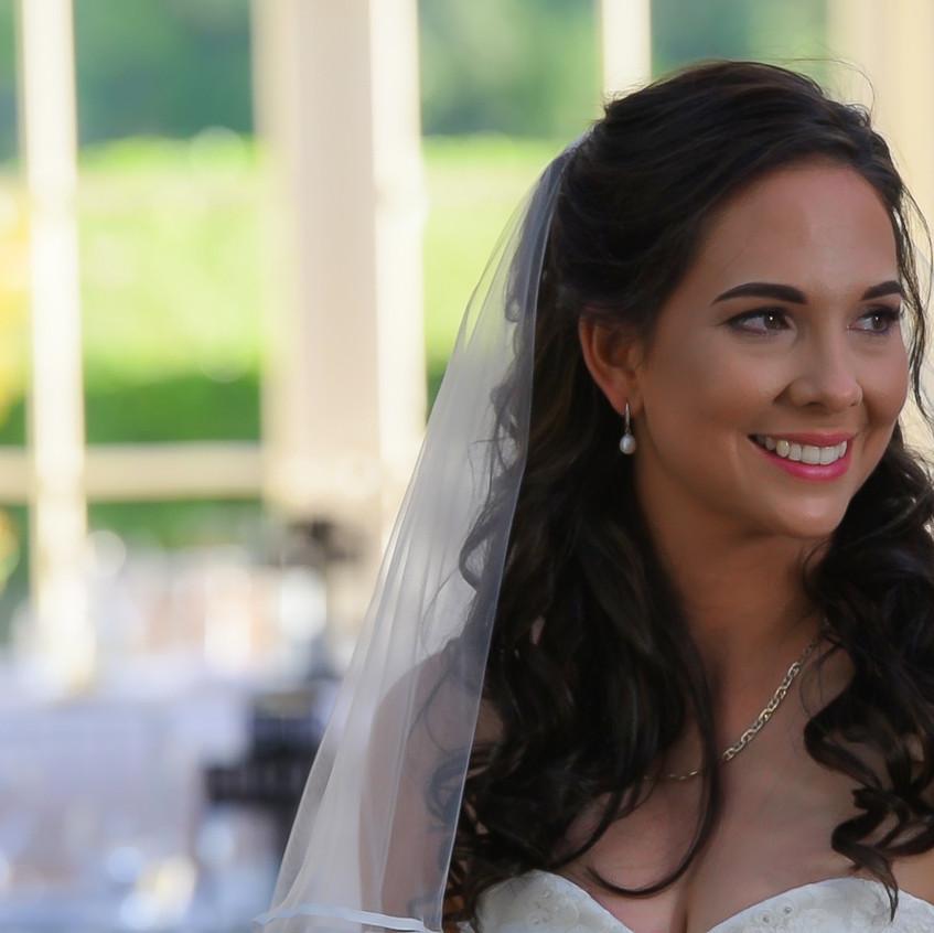 Beautiful bride at Gabbinbar Homestead, Toowoomba