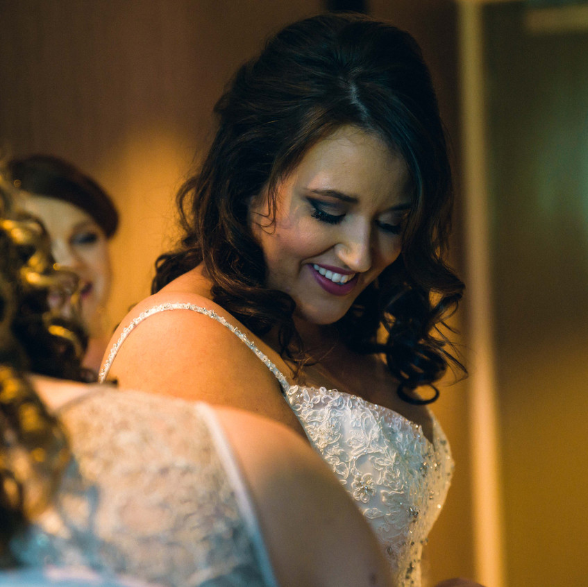 Stunning bride getting ready for her big day at Cherbon Waters
