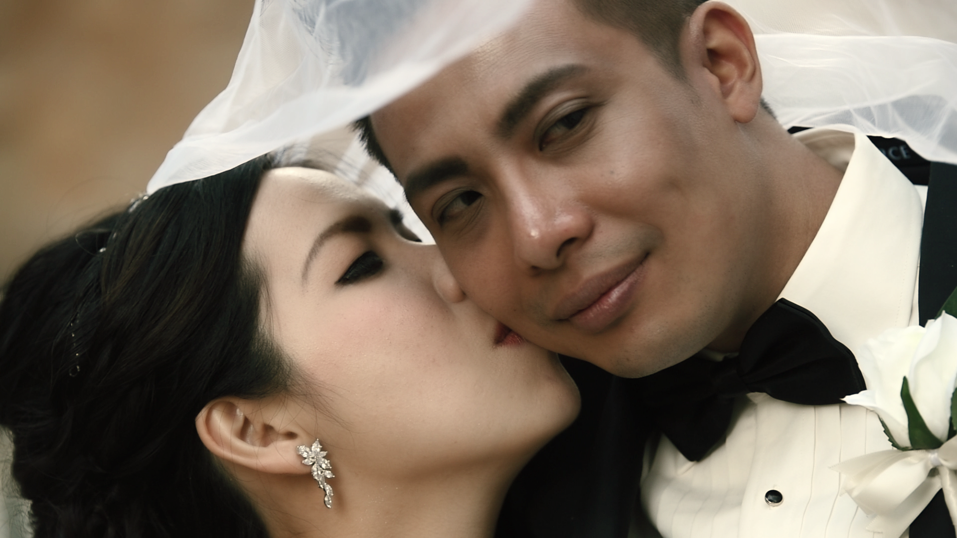 Close up of Jack and Pauline Lee on their wedding day at Anzac Square