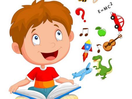 ¿Qué debe hacer mi hijo de 1 año en el área social y de lenguaje?