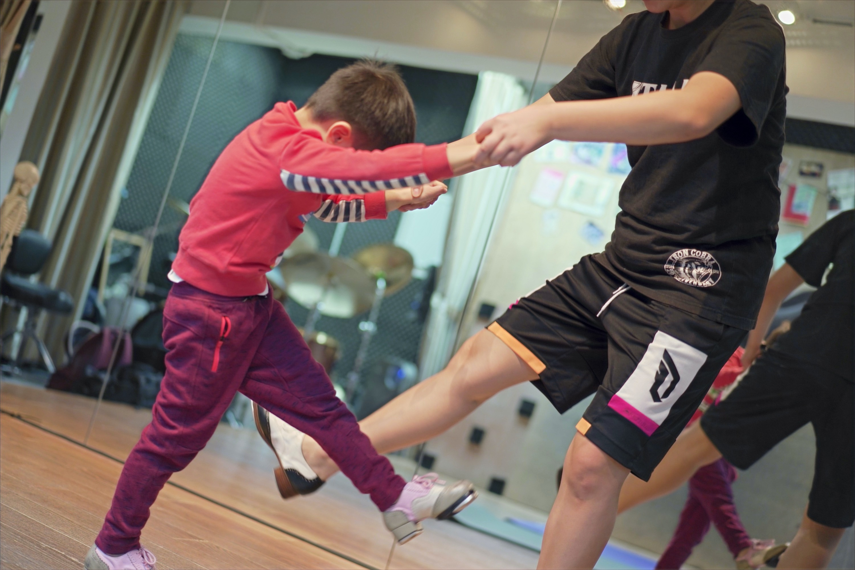kids tap-dance