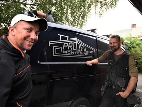 Variert arbeid er midt i blinken for tømrermester Jørgen