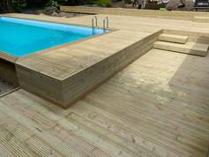 zwembad houten terras, tuinaanleg tuinaannemerr