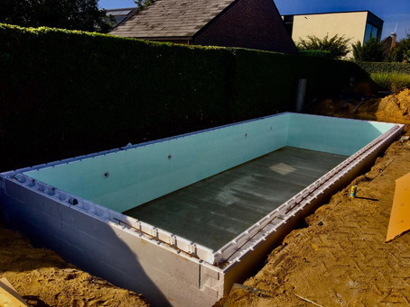 zwembad geïsoleerd in aanbouw, zwembadbouwer, merelbeke