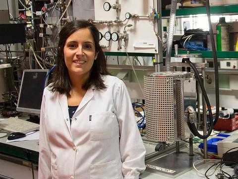 Rosa Pereñíguez, Doctora en Ciencias Químicas por la Universidad de Sevilla