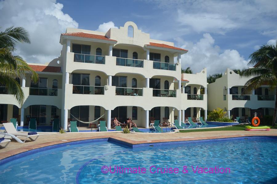 Swim Up Suites at El Dorado Royale