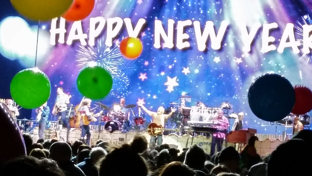 Jimmy Buffett and the Coral Reefers live in Nashville on New Years Eve 2017. Photo: Jay French