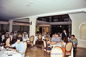 L'Alsace French restaurant, Valentin Imperial Maya