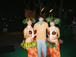 AN AUTHENTIC HAWAII LUAU