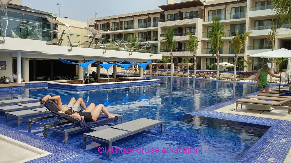 Hideaway at Royalton Riviera Cancun adult only pool and swim up bar