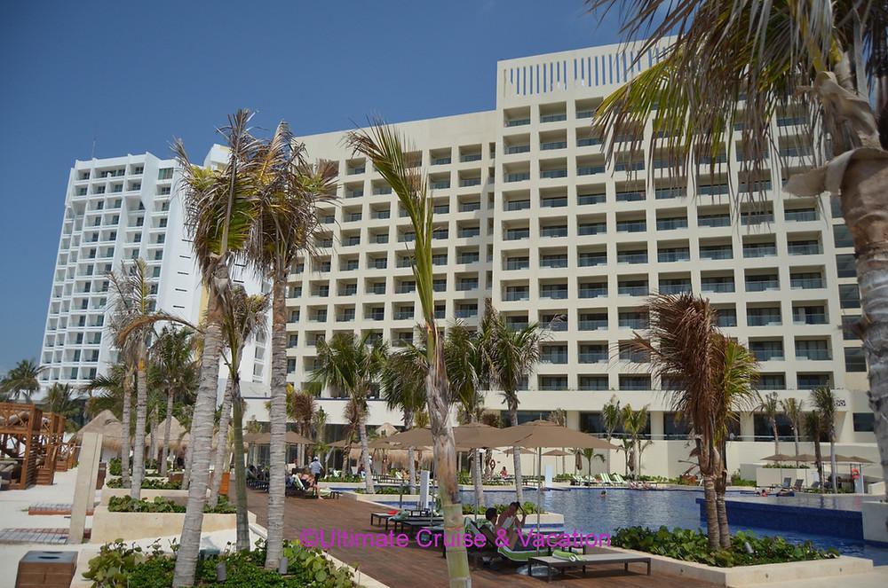 Hyatt Ziva Cancun pool and exterior