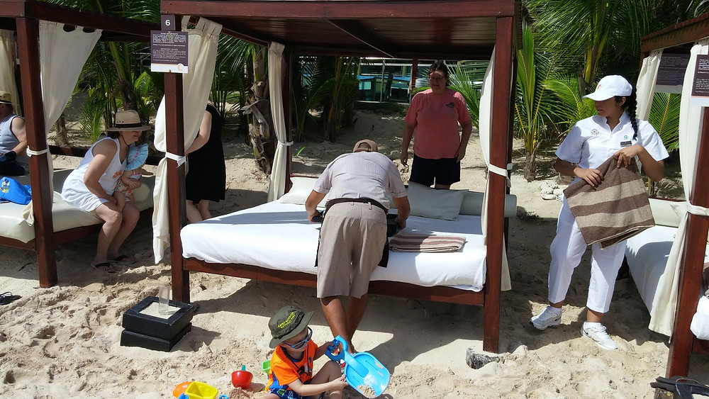 Beach Butlers at work, Generations Riviera Maya