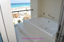 Jacuzzi on balcony of Club Level Suites, Hyatt Ziva Cancun