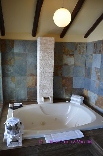Jacuzzi for two in every Casita Suite @