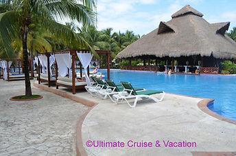 El Dorado Royael pool shave plenty of bali beds and lounge chairs