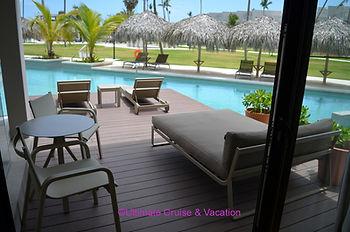 Excellence Club Swim-up Suite patio, Excellence El Carmen