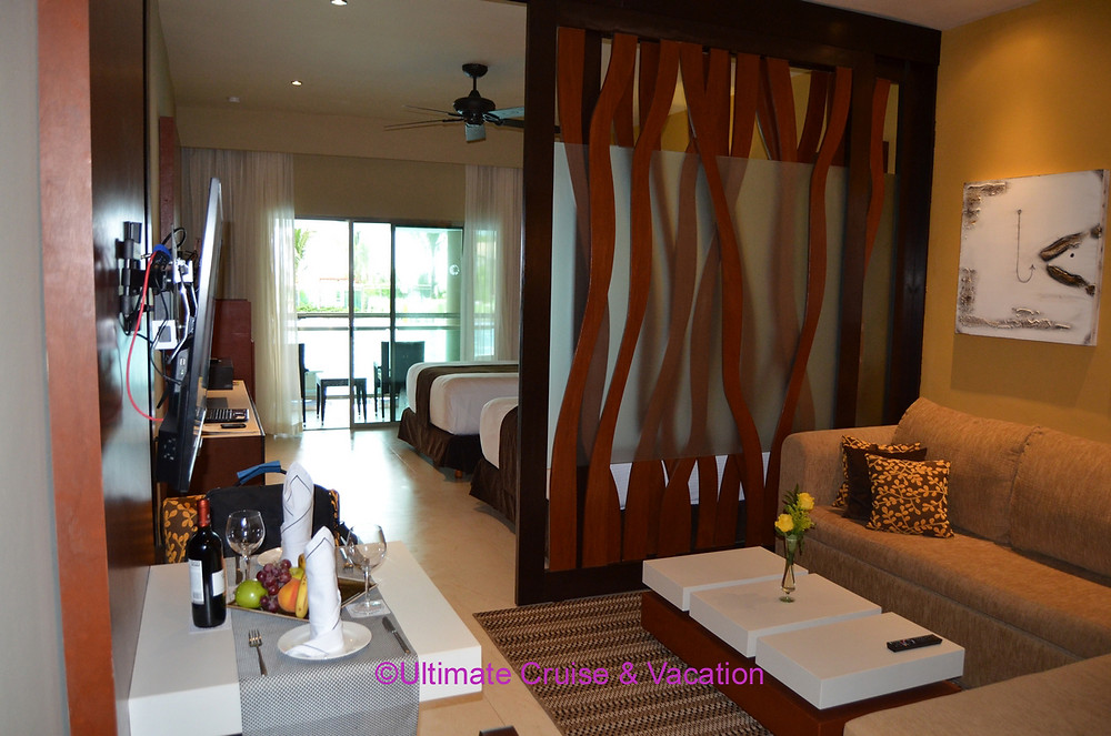 Suite with sliding privacy door, Generations Riviera Maya