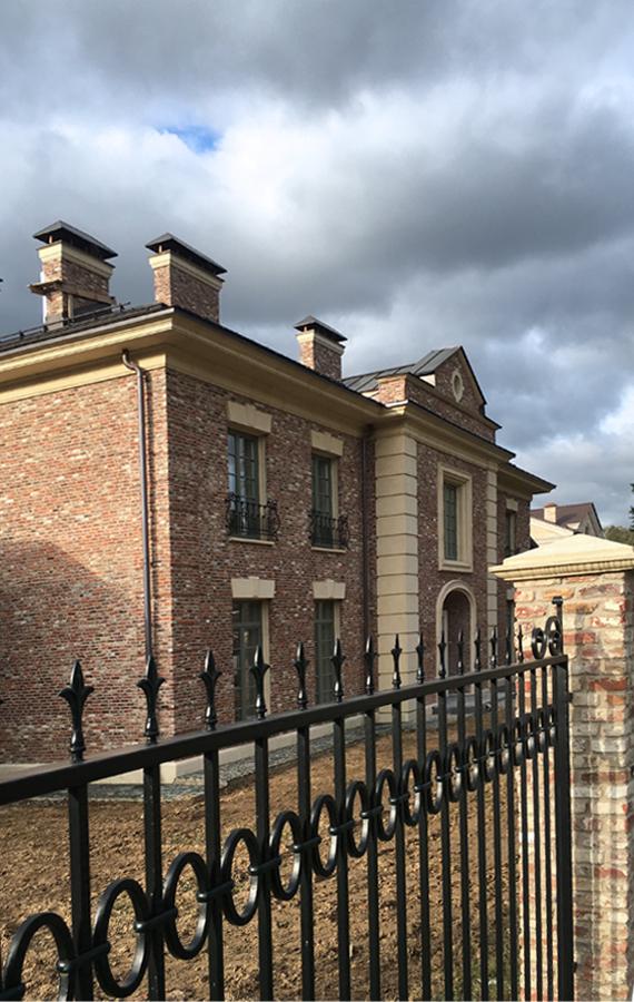 Дом с галлереями в пос. Антоновка