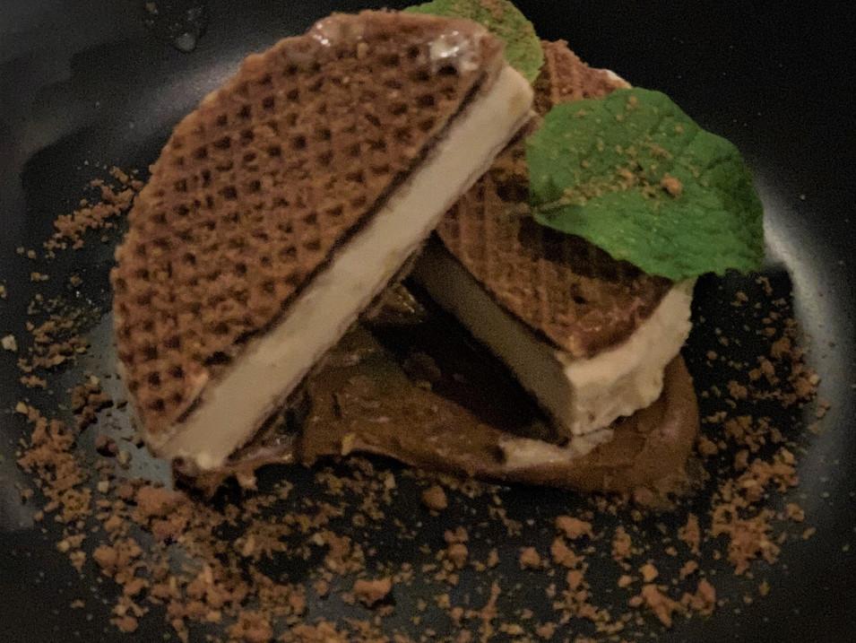 inn 5 stroop waffle.jpg