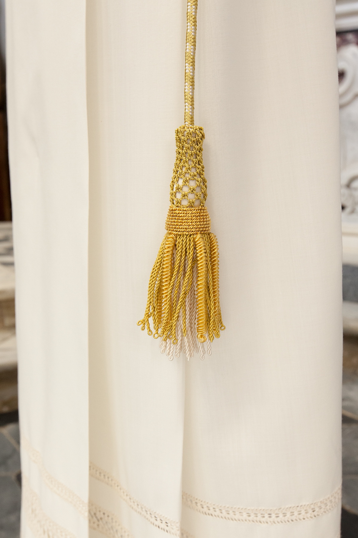 Gold braided cincture for priest