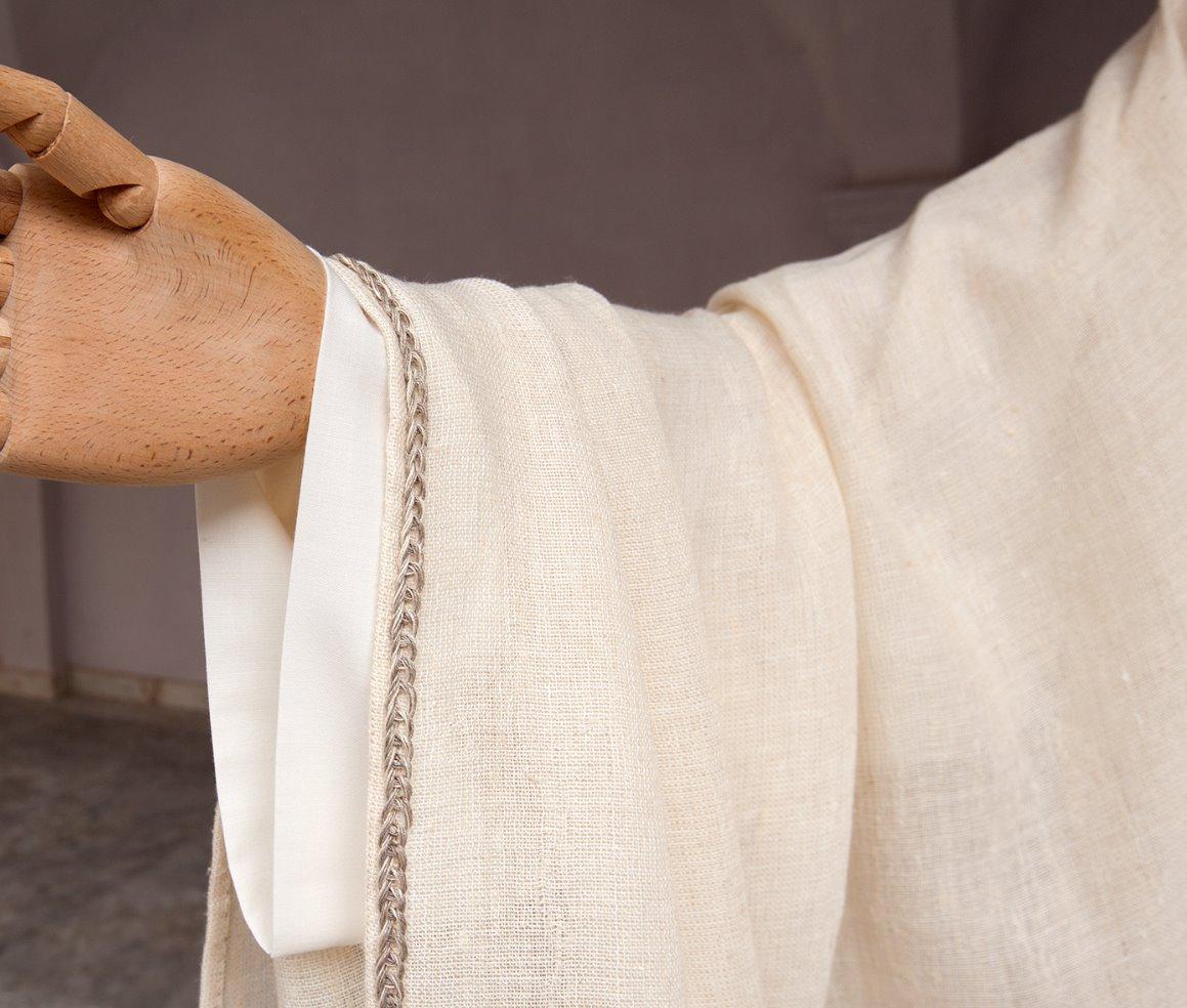 Manica di casula in lino con ricamo
