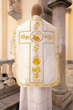 Gold roman chasuble with lamb