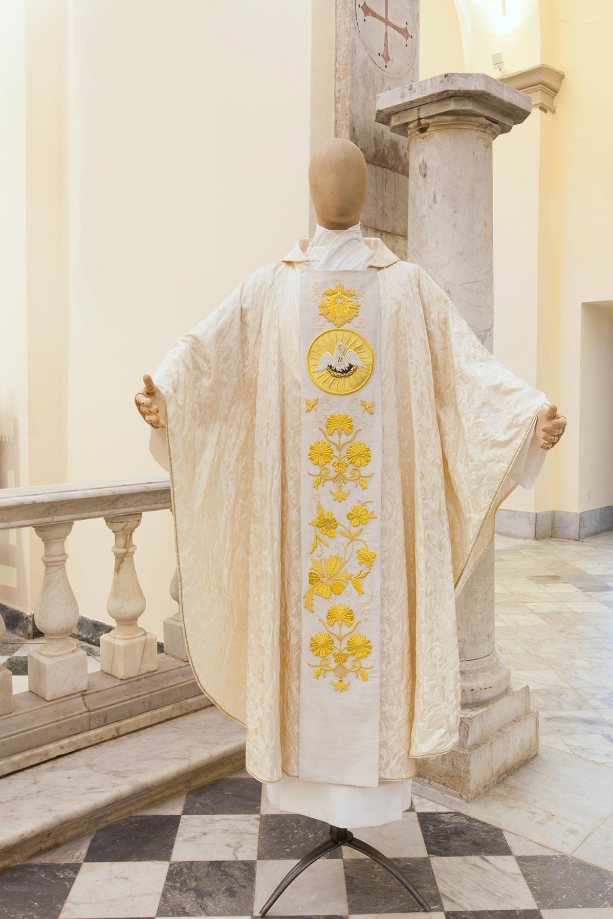 Casula in pura seta con stolone oro