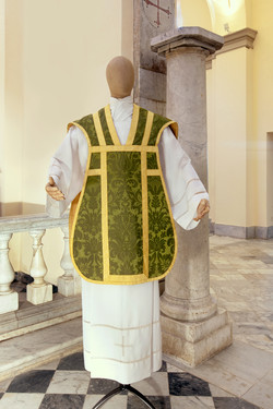 Green roman chasuble in pure silk